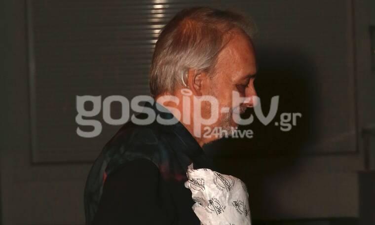 Σπάνια βραδινή έξοδος για τον Μικρούτσικο με τη σύντροφό του (photos)