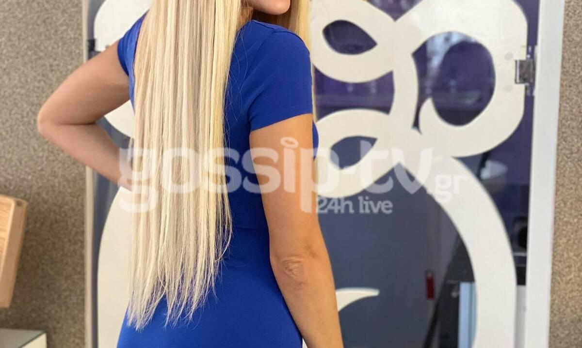 Την «τσακώσαμε» την ώρα που έβαζε extensions στα μαλλιά της! (Photos)