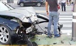 Γυναίκα τράκαρε αλλά βγήκε από το αμάξι και χόρευε (video)