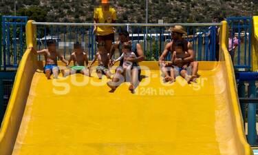 Μπαμπάδες εν δράσει! Μαγικές φωτό στην πισίνα με τα παιδιά τους
