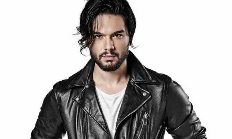 Μάστορας: Απαντά δημόσια στις αντιδράσεις για το νέο του τραγούδι