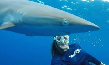 Κατερίνα Τοπούζογλου: Το κορίτσι που δεν φοβάται τους καρχαρίες!
