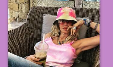 Άννα Βίσση: Η πόζα στη Μύκονο χωρίς μακιγιάζ με θέα τη θάλασσα! (Photos)