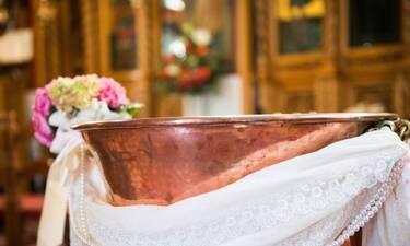 Αποκλειστικό: Γνωστή Ελληνίδα γιαγιά βαφτίζει τα δίδυμα εγγονάκια της(Pics)