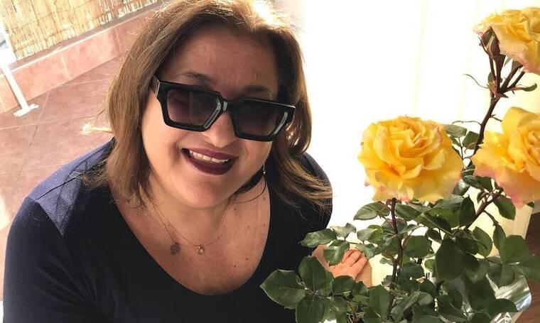 Ελισάβετ Κωνσταντινίδου: Με μαγιό και χωρίς ίχνος ρετούς στα 62 της!