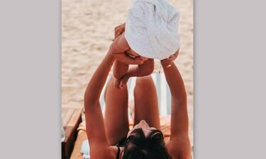 Η πιο ωραία διάσημη μαμαδίστικη πόζα στην παραλία δημοσιεύτηκε στο Instagram!