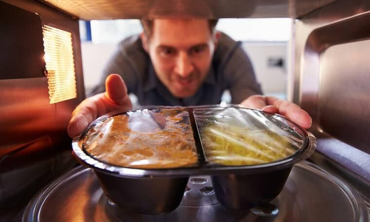 Φούρνος μικροκυμάτων; Δες τι κάνει στο φαγητό σου