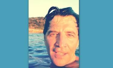 Ο Σάκης κάτω από το νερό και δεν φαντάζεσαι τι ψάχνει!