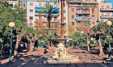 Σε ποια περιοχή της Αθήνας σύχναζαν οι ελεύθεροι άνδρες;