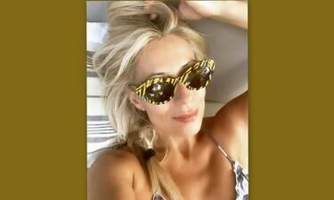 Μαρία Μπακοδήμου: Οι μοναδικές φώτο από τις βουτιές της στα 55 της!