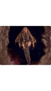 Η Beyonce φόρεσε για ακόμα μία φορά δημιουργίες του Βρεττού Βρεττάκου!