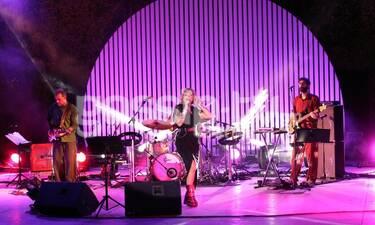 Ελεονώρα Ζουγανέλη: Η μαγική συναυλία και η ίδια στην πιο αδύνατη εκδοχή της!