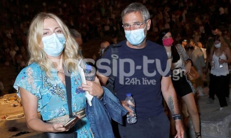 Αθερίδης-Καρύδη: Σπάνια βραδινή έξοδος στην Επίδαυρο με... μάσκα! (photos)