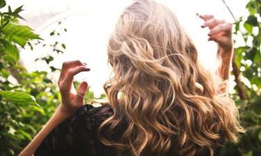 Επαναφέροντας τη λάμψη στα μαλλιά και την επιδερμίδα μετά την παραμονή στο σπίτι