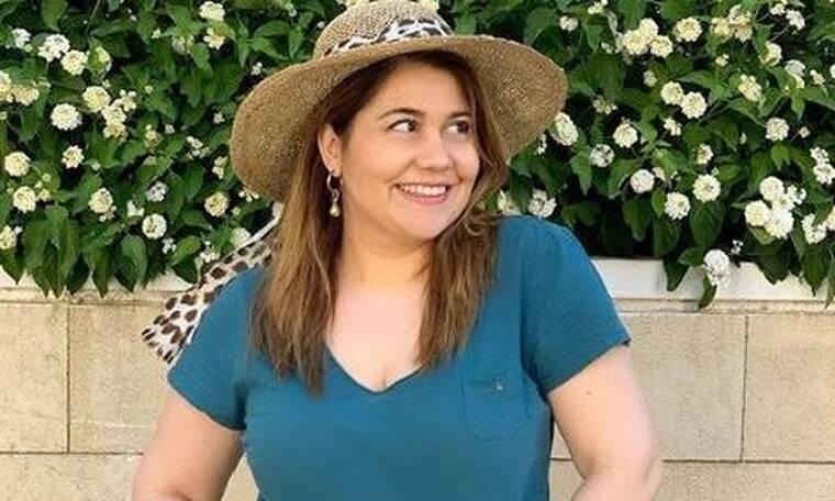Μαριέλλα Σαββίδου: Ακομπλεξάριστη ποζάρει με μπικίνι (Photos)