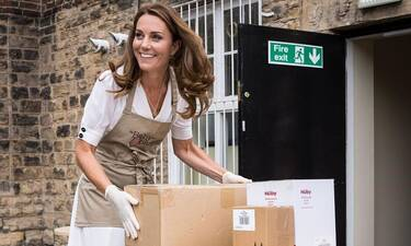 Kate Middleton: Δημόσια εμφάνιση με μάσκα και γάντια λόγω... κορονοϊού (Pics)
