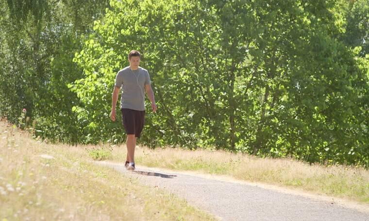 Τελικά μπορεί το περπάτημα να σε βοηθήσει να χάσεις κιλά;
