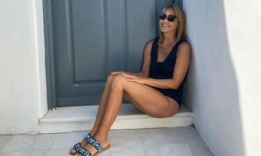 Μάρα Ζαχαρέα: Έτσι σίγουρα δεν την έχετε ξαναδεί! Με λευκό μπικίνι στην Πάρο