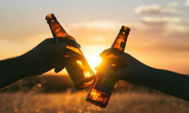 Λερώθηκες με μπύρα; Δες πώς θα βγάλεις το λεκέ!