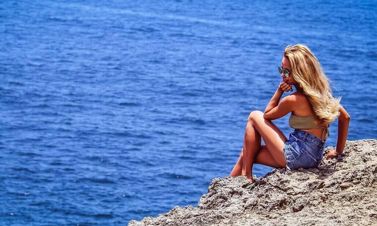 Μάθε γιατί οι γυναίκες δεν περνούν καλά το καλοκαίρι