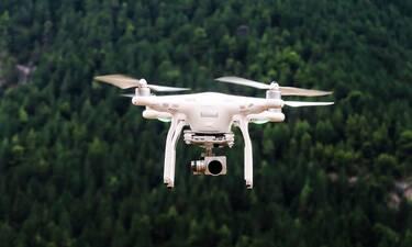 Πήγε να παραδώσει παραγγελία με drone αλλά την πάτησε άσχημα (video)