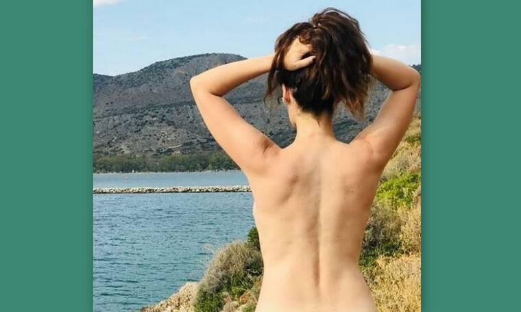 Γνωστή Ελληνίδα ηθοποιός ποζάρει topless και στέλνει το δικό της μήνυμα!