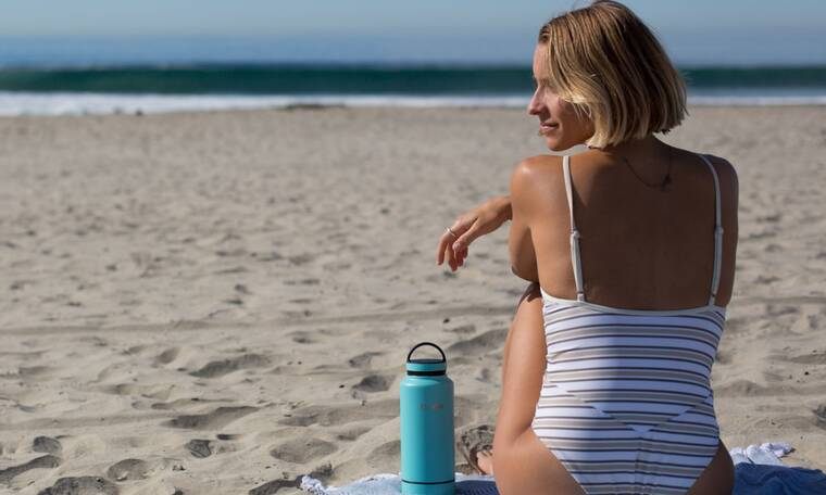 Πώς θα κρατήσεις το νερό δροσερό στην παραλία