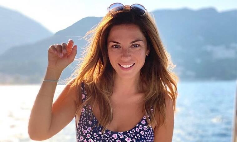Λασκαράκη: Πλατσουρίσματα στην Κρήτη! Οι φωτό με μπικίνι θα σε ενθουσιάσουν