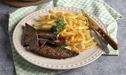 Ο Ακης Πετρετζίκης μας δίνει τη συνταγή του για συκώτι ριγανάτο