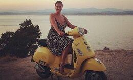 Νόνη Δούνια: Δείτε τι έκανε με την κόρη της στις Σπέτσες