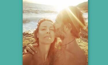 Θανάσης Ευθυμιάδης: Φωτογραφίζει ολόγυμνη τη σύζυγό του, Άννα Δημητρίεβιτς!