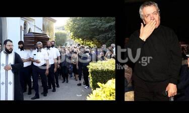 Κηδεία Γιάννη Πουλόπουλου: Το τελευταίο αντίο στον μεγάλο Έλληνα τραγουδιστή