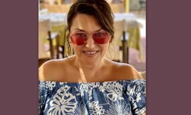 Καίτη Γαρμπή: Η φώτο της χωρίς ίχνος μακιγιάζ μέσα στην πισίνα είναι όνειρο!