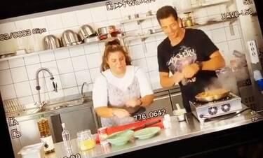 Δανάη Μπάρκα: Στην πρώτη πρόβα στην κουζίνα με τον Απόστολο Ρουβά! (video)