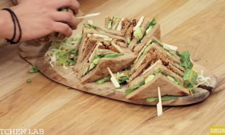 Vegetarian κλαμπ σάντουιτς! Συνταγή από τον Άκη Πετρετζίκη!