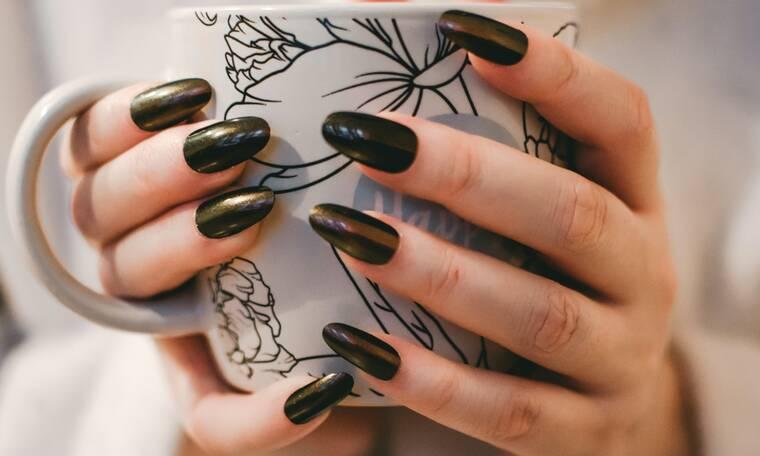 Τα 5 χρώματα που πρέπει να βάλεις στα νύχια σου αυτό το φθινόπωρο