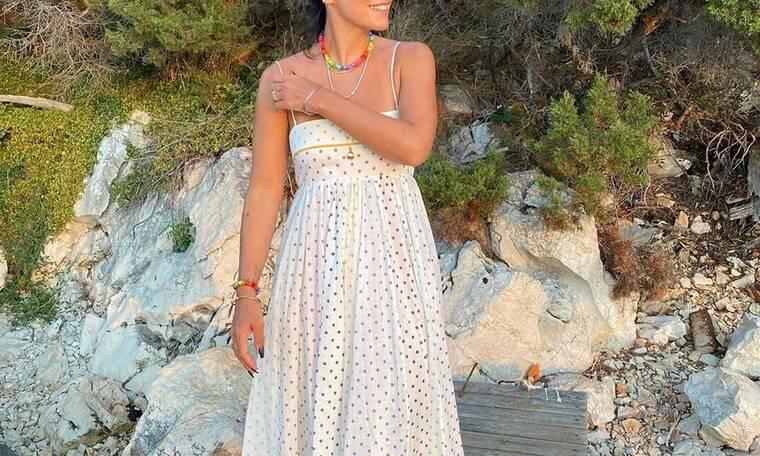 Πασίγνωστη τραγουδίστρια παντρεύτηκε φορώντας το πιο εναλλακτικό νυφικό!