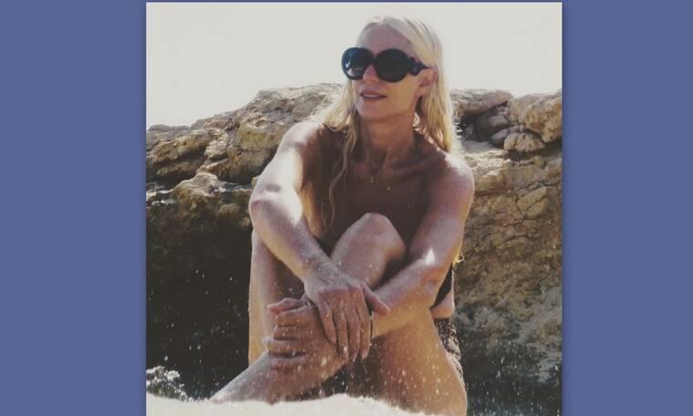 Μαρία Μπακοδήμου: Η νέα φώτο της με μαγιό στα 55 της είναι… όνειρο!