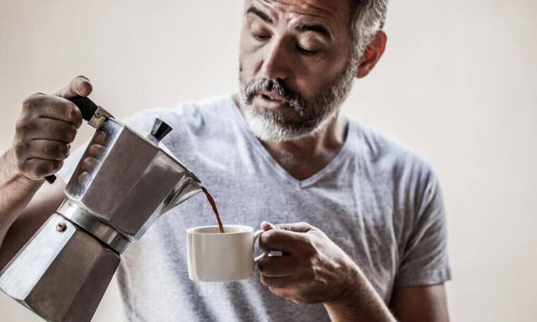 Δες τι θα πάθεις αν ξεχάσεις να πιεις καφέ