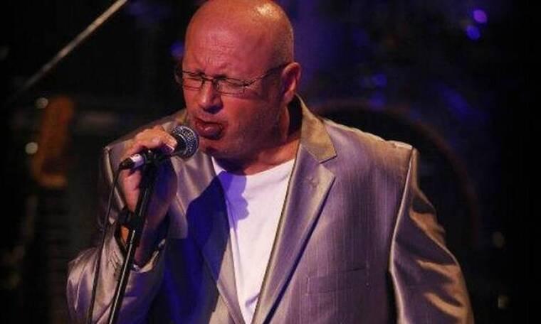 Λάκης Παπαδόπουλος: «Φλερτάρω με το λαϊκό τραγούδι»
