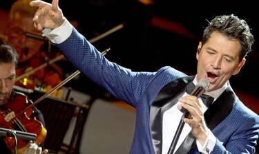 Σάκης Ρουβάς: Μάγεψε το κοινό, στην πρώτη του συναυλία στο Ηρώδειο (Photos)