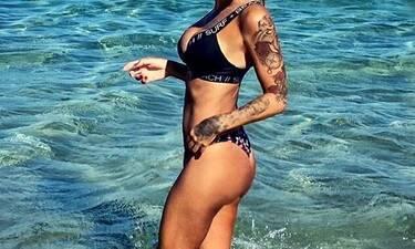Η personal trainer κολάζει με τις σέξι πόζες της στο Instagram! (Photos)