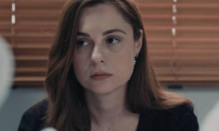 8 λέξεις: Η Εύα αποφασίζει να πάρει το παιδί της και να εξαφανιστεί (video)