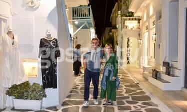 Νίκος Ορφανός-Αντιγόνη Παφίλη: Βόλτες στην έρημη Μύκονο! (photos)