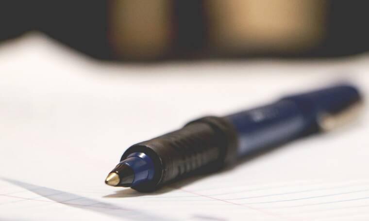 Το κόλπο για να ξαναγράψει το στυλό ακόμη και αν έχει τελειώσει το μελάνι