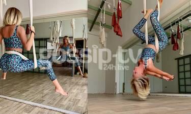 Τα... ίσια ανάποδα για τη Σάσα Σταμάτη! Δείτε την να κάνει aerial yoga! (pics)