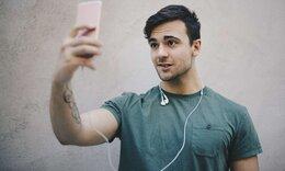 Μήπως το έχεις παρακάνει με τις selfie στο Instagram;