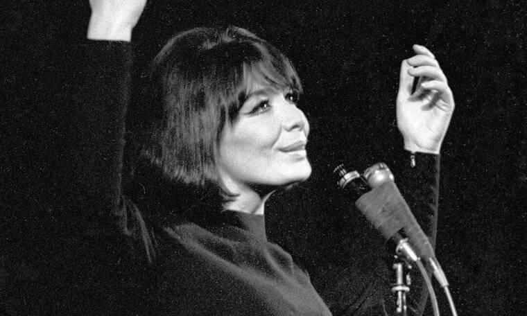 Έφυγε από τη ζωή η θρυλική Γαλλίδα τραγουδίστρια Juliette Gréco