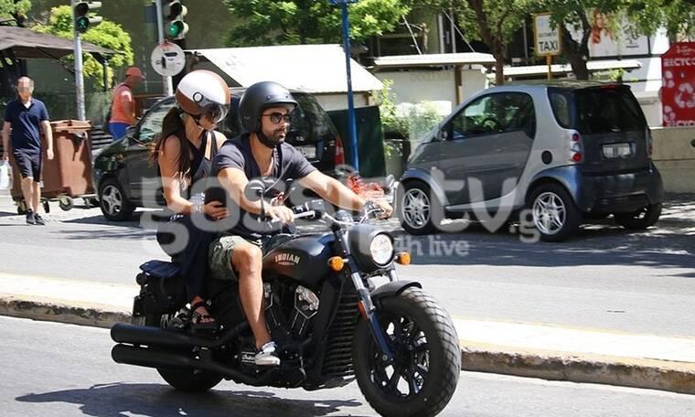Easy rider ο Τανιμανίδης! Η βόλτα με την Μπόμπα στο Κολωνάκι! (Photos)