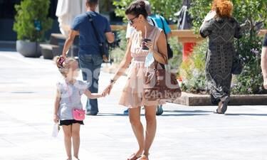 Σίσσυ Φειδά: Η βόλτα με την κόρη της και το άψογο στιλ! (Photos)